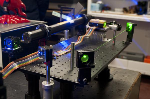 ShowUs-lasers-magnum